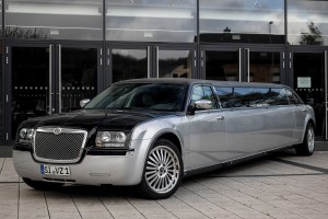 1 Chrysler 300C Stretchlimousine Bentley Dodge Siegen Olpe Schwarz1