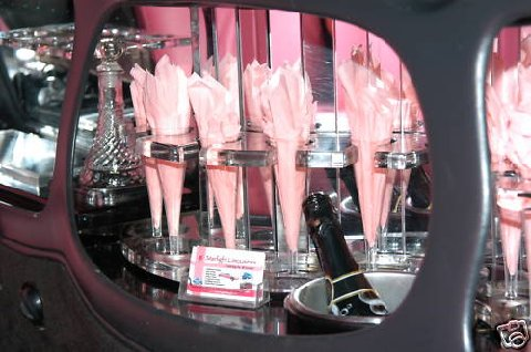 Lincoln Town Car Stretchlimousine pink Bar