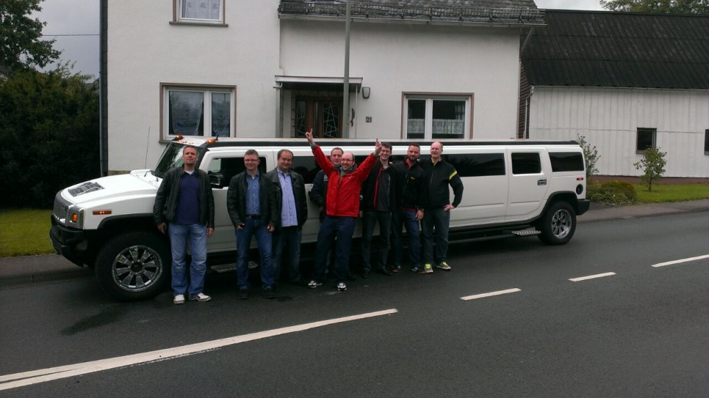 EDELLIMO EDEL LIMO Stretchlimousine Partybus mieten Limousinenservice Wesseling