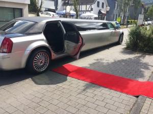 Chrysler 300C Stretchlimousine siegen mieten limo verleihen Olpe Limousinenservice