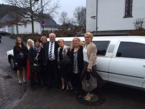Lincoln Town Car Stretchlimousine weiss Ostern Siegen Limo mieten verleih