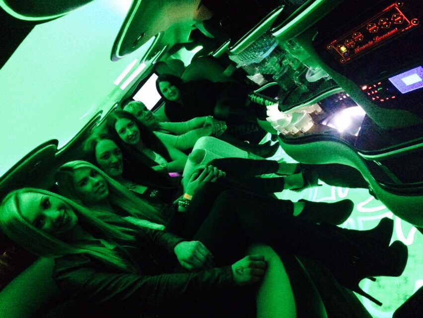 Party  Stretchlimousine  Shuttle Disco Reichwaldz Siegen Chrysler Stretchlimosuine modern